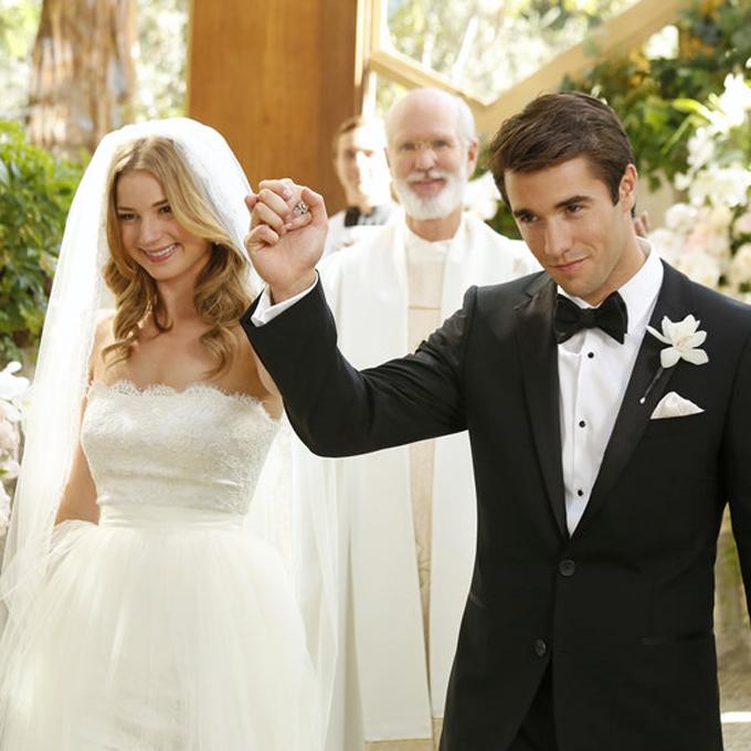 Un épisode bien spécial et fort en rebondissements. Emily parvient tout de même à épouser Daniel. Revenge, saison 3