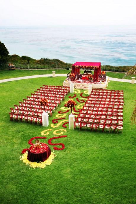 Du rouge et du romantisme pour votre c r monie la que - Decoration de mariage exterieur ...