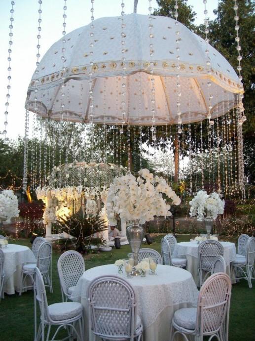 Un parapluie, ça peut toujours servir, la preuve... - Mariage.com
