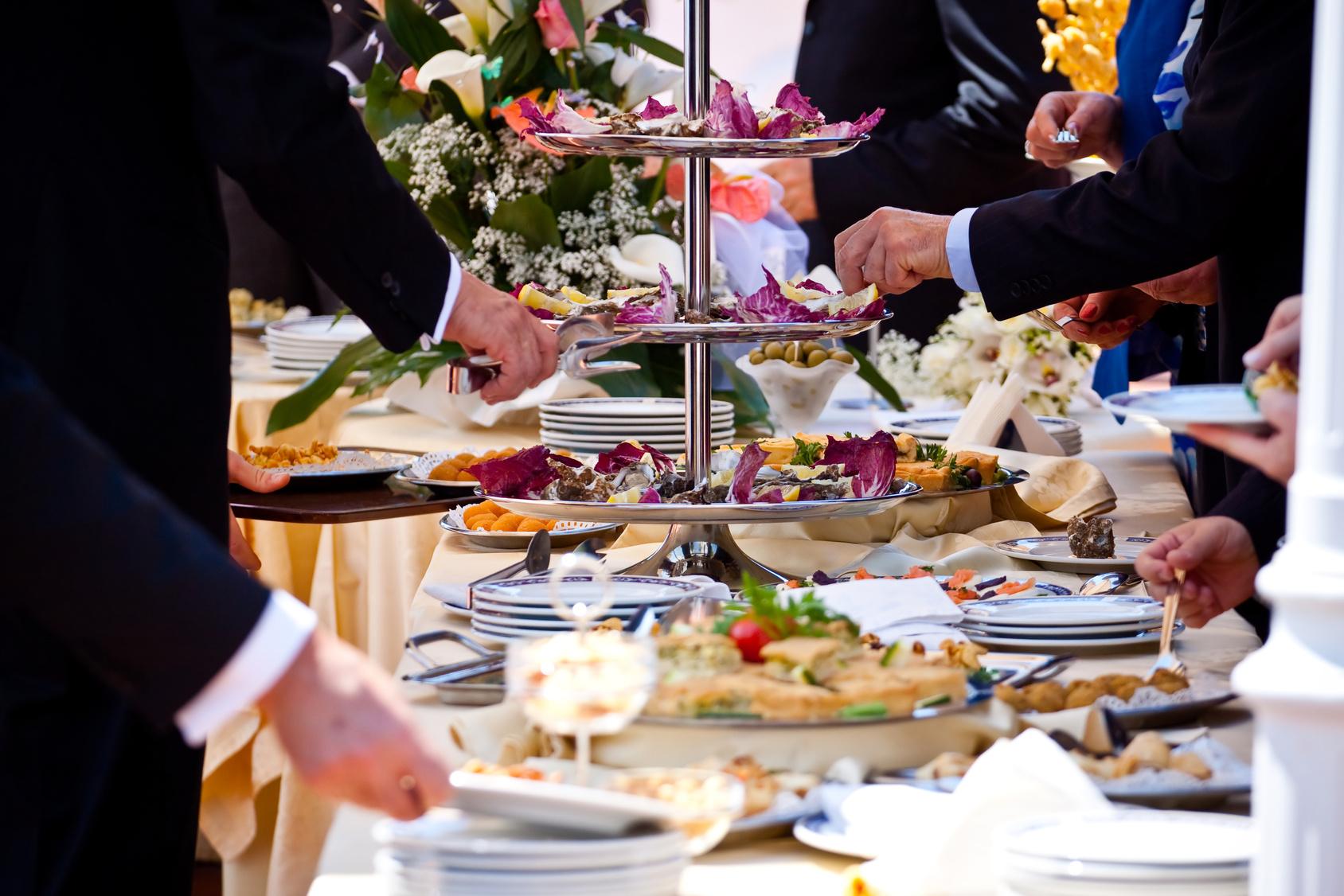 Wedding Food Ideas Get Creative I Do Knot: Repas De Mariage : Tout Savoir Pour Prévoir Les Bonnes
