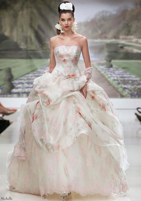 robe de mariee a fleurs