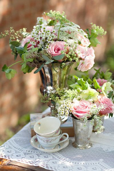 decoration fleurs mariage victorien
