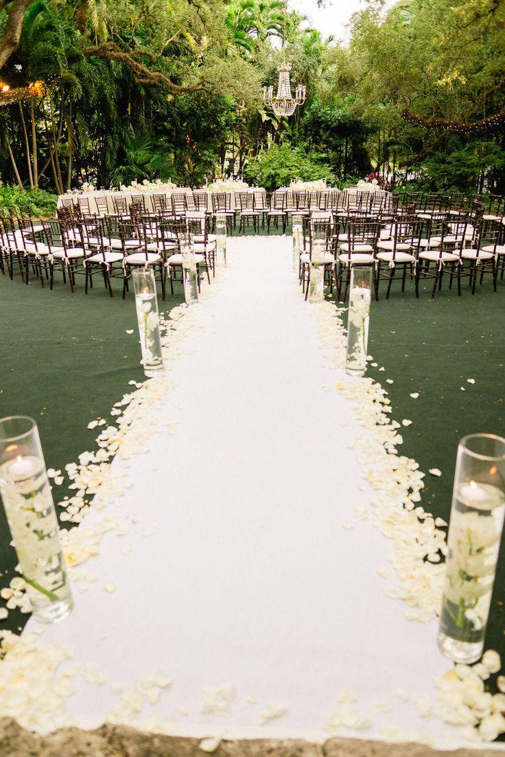 Très 10 décors de cérémonie de mariage qui font rêver - Mariage.com LY22