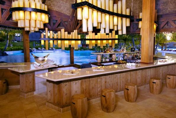 le bar de lhotel saint regis bora bora
