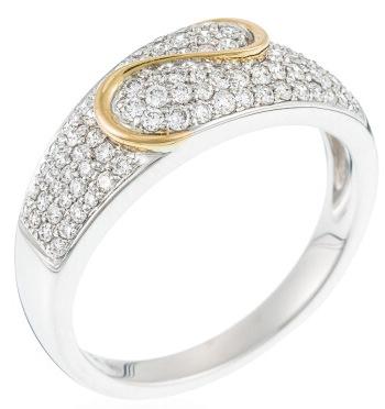 Si votre budget est assez conséquent, que diriez-vous de cette alliance ? L'anneau en or blanc a une première particularité : il est plus large sur le dessus. Cette partie-là est sertie de diamants qui brillent de mille feux. Deuxième originalité : cette vague en or jaune qui vient apporter un petit plus qui donne du peps à la bague. Le résultat est vraiment beau ! Bague « indécise » diamants, Diamanta, 4 250 euros.