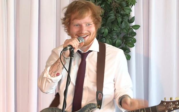 Ed Sheeran s invite a un mariage