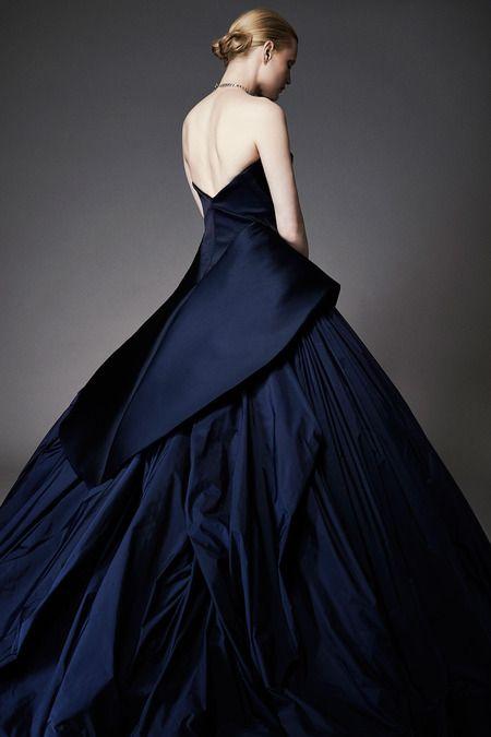 Robe de mariée : et si on mettait un peu de couleur dessus ?