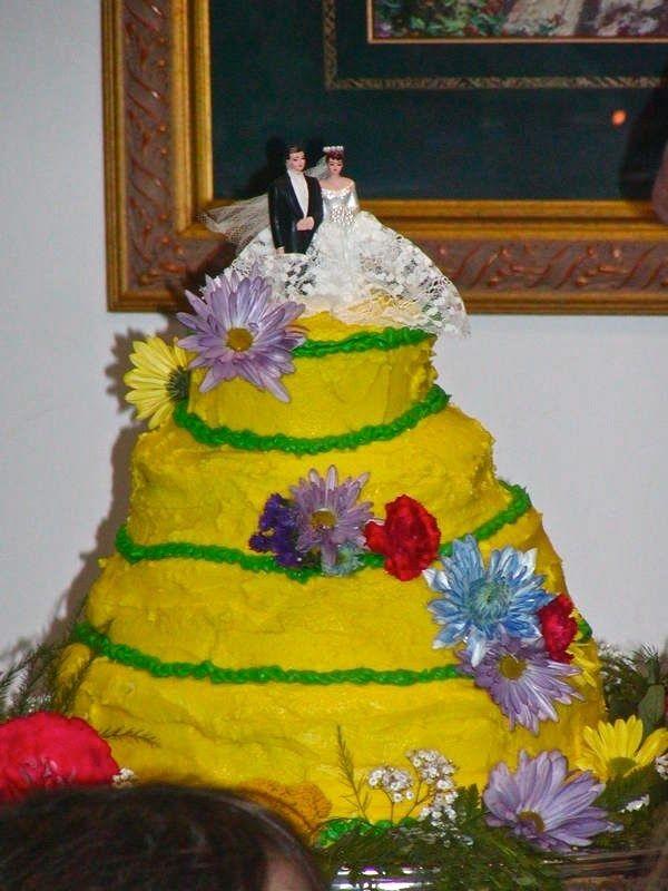 gateau de mariage jaune desastreux