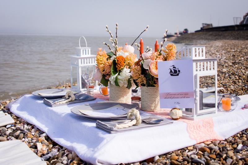 table sur la plage mariage nautique