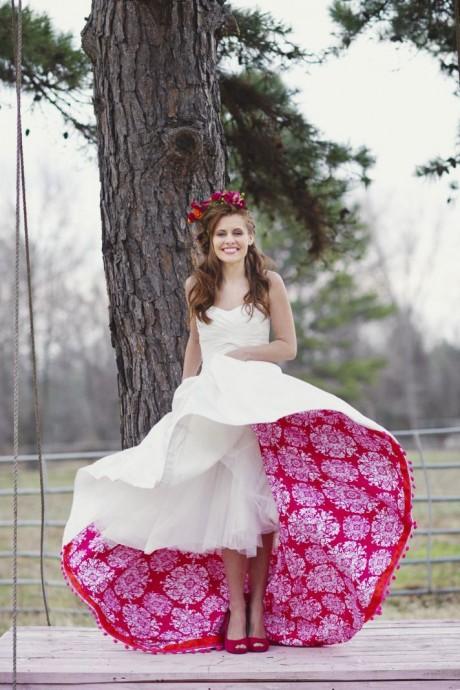 Une robe de mariée au jupon coloré