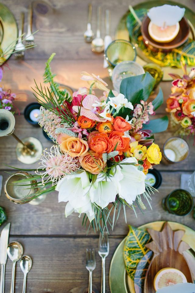decoration table invites mariage tropiques
