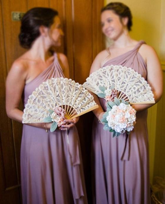 ombrelle ou éventail-mariage-demoiselles