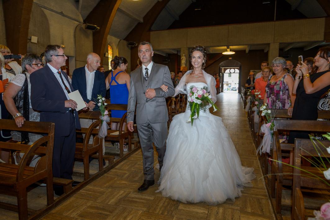 mariage alexandra et julien bretagne et romantique alexandra et son pere