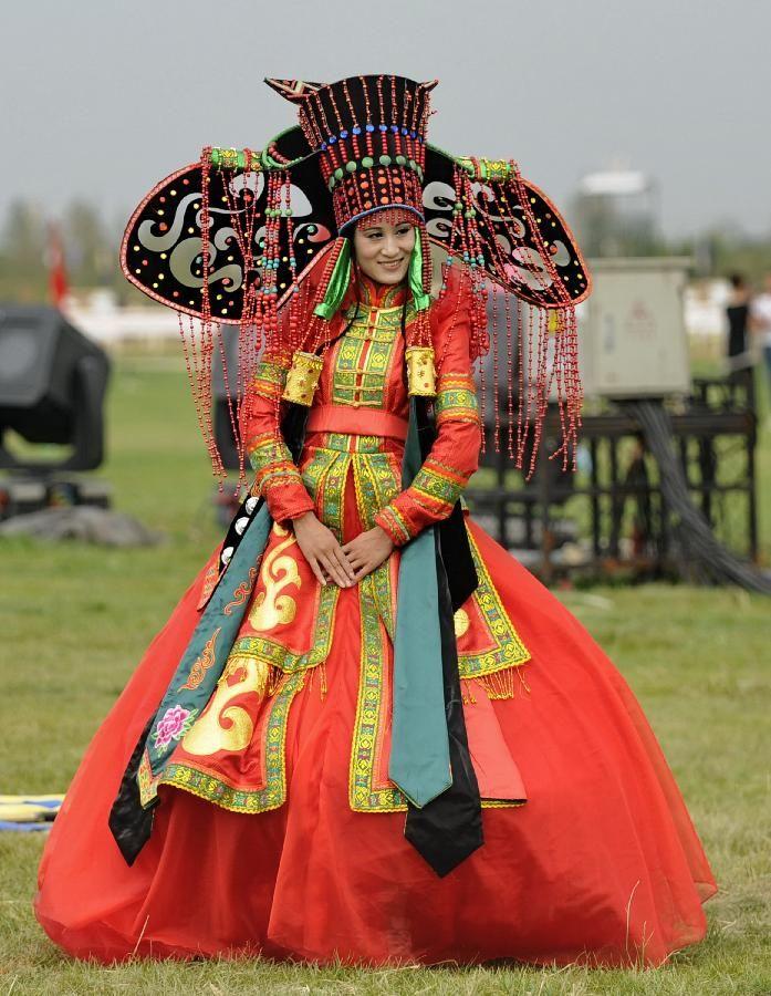 """Résultat de recherche d'images pour """"robe de mariée traditionnelle russe"""""""