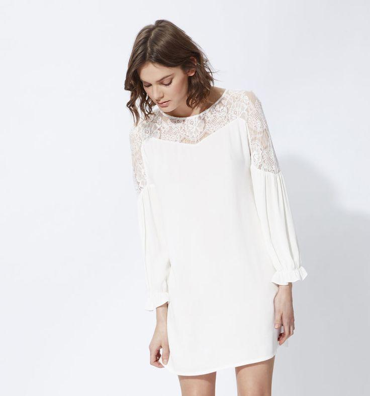 Maje nous propose une jolie robe fluide et élégante, parée de jolies dentelles, au prix de 195 €.  La robe idéale pourun mariage romantique et bohème! Robe écru RAZDY Maje.