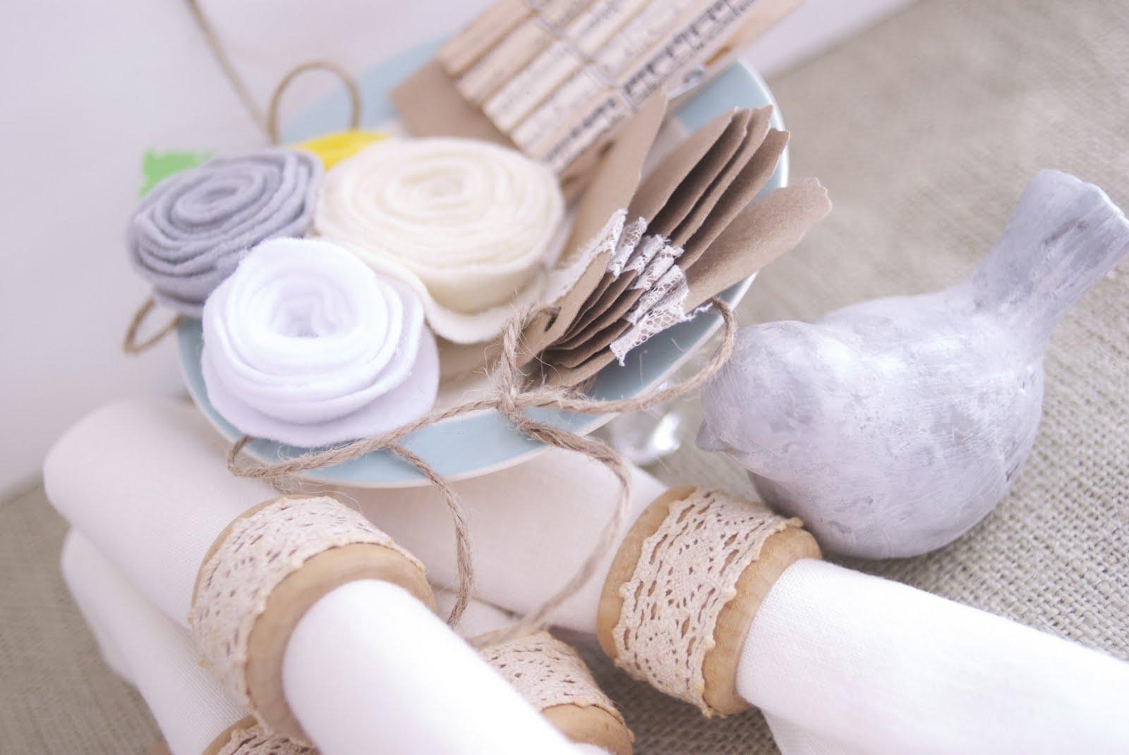 DIY : la dentelle nous inspire pour customiser nos ronds de serviette