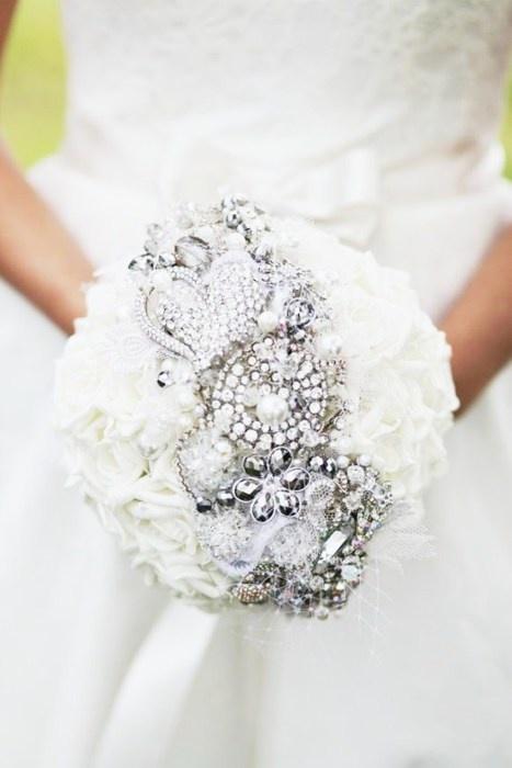 10 bouquets de mari e compl tement bijoux - Strass pour bouquet de mariee ...