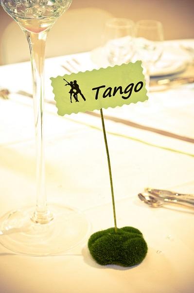 Idees de compositions florales table pau 11 design - Set de table a faire soi meme ...