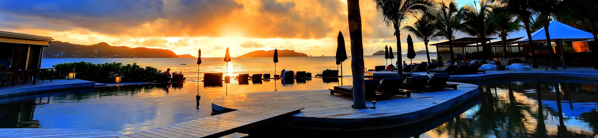 piscine coucher de soleil saint barthelemy