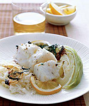 Pourquoi ne pas miser sur du poisson pour votre repas de mariage ? Le poisson se marie particulièrement bien avec les agrumes, comme le citron, cela vous fera un repas chic et rafraichissement pour votre mariage en été !