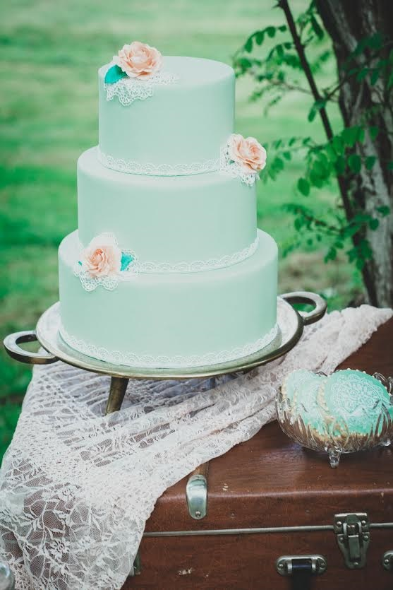 shooting inspiration wedding cake retro