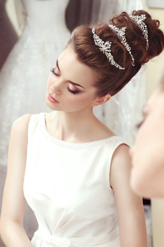 10 coiffures de princesse d nich es sur pinterest. Black Bedroom Furniture Sets. Home Design Ideas