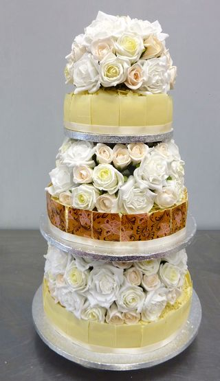 Cheese wedding cake citron
