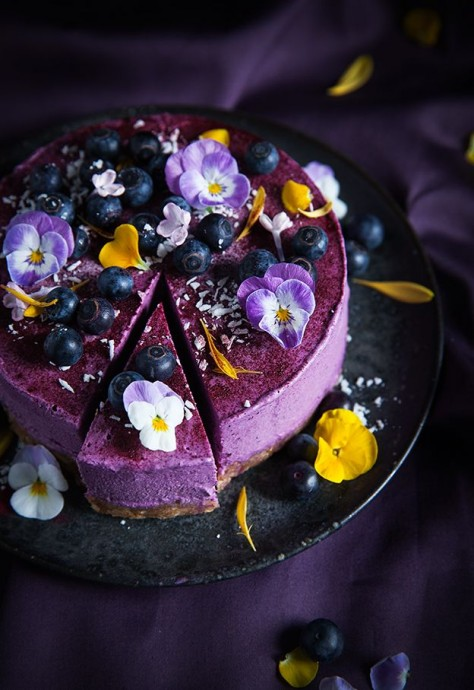 Cheese wedding cake violette