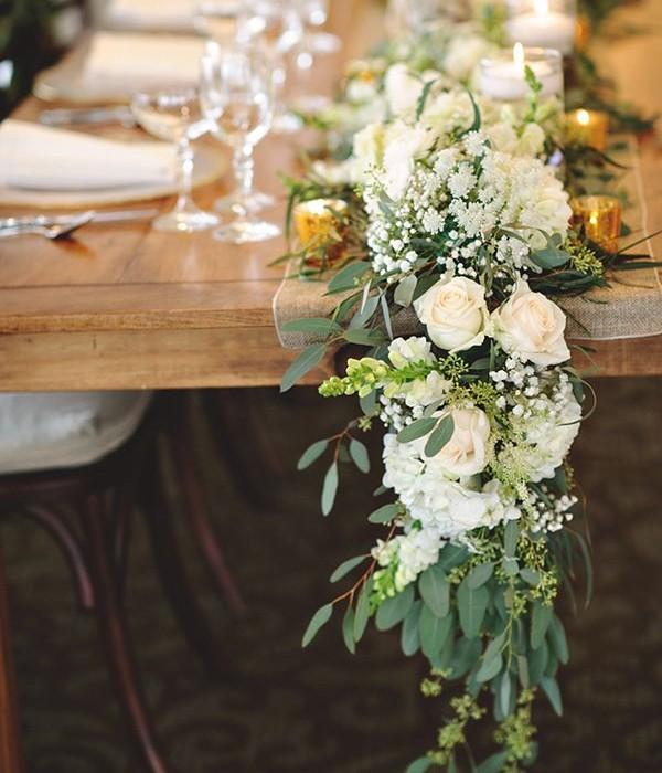 chemin de table fleurs mariage. Black Bedroom Furniture Sets. Home Design Ideas