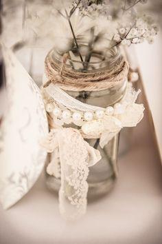 Dentelle et perles decoration mariage Downton Abbey
