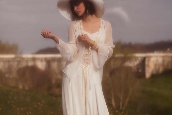 Enceinte notre s lection de robe de mari e pour future for Jolies filles s habillent pour les mariages
