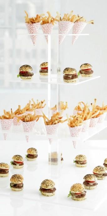 Des burgers qui s'avalent en une bouffée ? Super idée pour les amateurs de fast food présents parmi vos convives.
