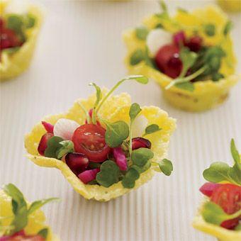 Si nous sommes nombreux à connaitre la salade grecque, je vous la présente dans sa version miniature. Un vrai régal !