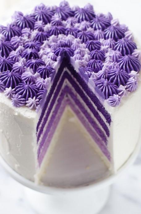 Vioelt layer caker mariage