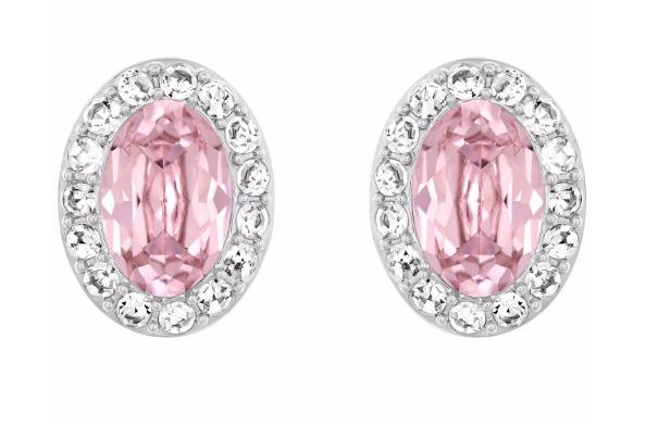 On adore ces puces d'oreilles médaillons en cristal rose de chez Swarovski. Romantiques à souhait elles apporteront un peu de couleur. Parfaite pour un mariage dans les tons pastels ou rosés. Le tour en  cristal transparent vous fera scintiller de mille feux.  Boucles d'oreilles Christie Oval, Swarovski, cristal rose et incolore, et métal plaqué rhodium, 59€