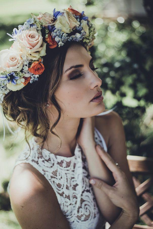 10 couronnes de fleurs pour une mari e flower power for Couronne de fleurs