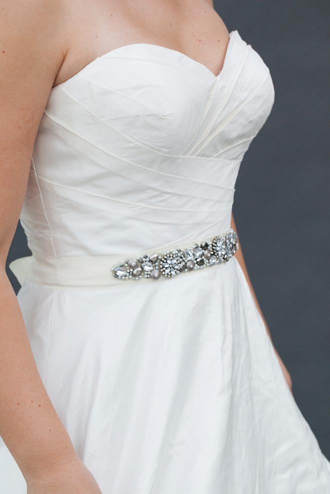 diy une ceinture de perles pour sublimer votre robe de