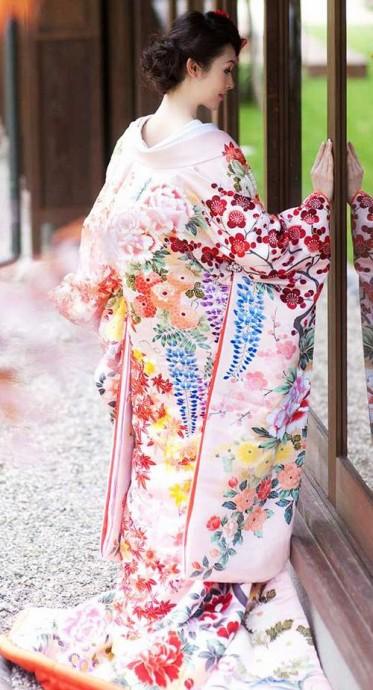 mariee asiatique uchikake