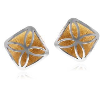 On reste dans la couleur avec ces jolies petites puces d'oreilles du Manège à Bijoux en ambre jaune. Quel choix original et moderne pour vos bijoux de mariées !  Boucles d'oreilles le Manège à Bijoux, deux or, 60€