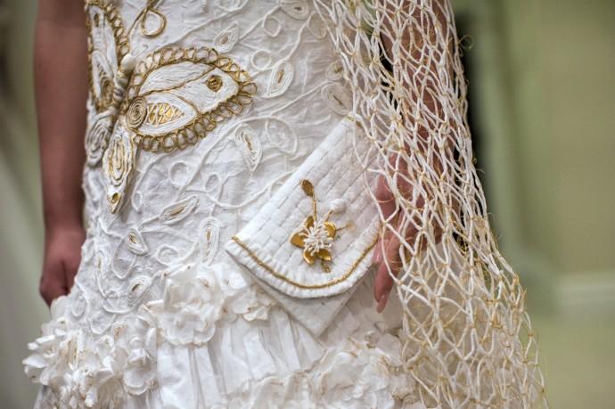 robe de mariee en papier toilette 3