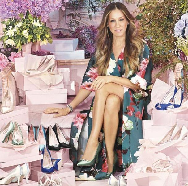 sarah jessica parker presente sa collection de chaussures de mariees