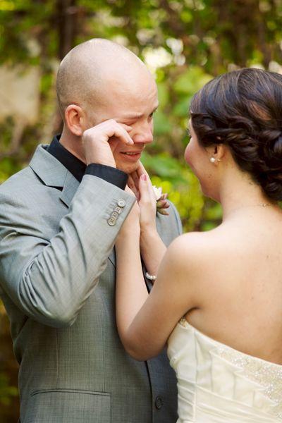animation les larmes d'émotion d'un futur marié