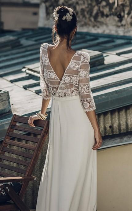 La dentelle, ça fonctionne à tous les coups ! Chic, sobre et incroyablement sexy, la dentelle est un allié de taille pour sublimer votre robe de mariée pour le grand jour.