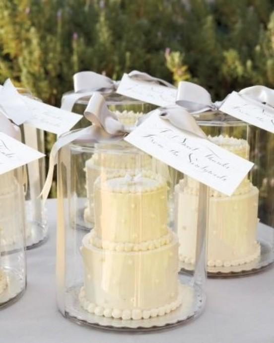 Pourquoi chacun de vos convives ne rentrerai pas chez lui avec son mini wedding cake sous le bras?