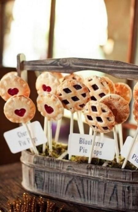 Transformer de délicieuses tartelettes de fruits en sucettes super originales, c'est possible !