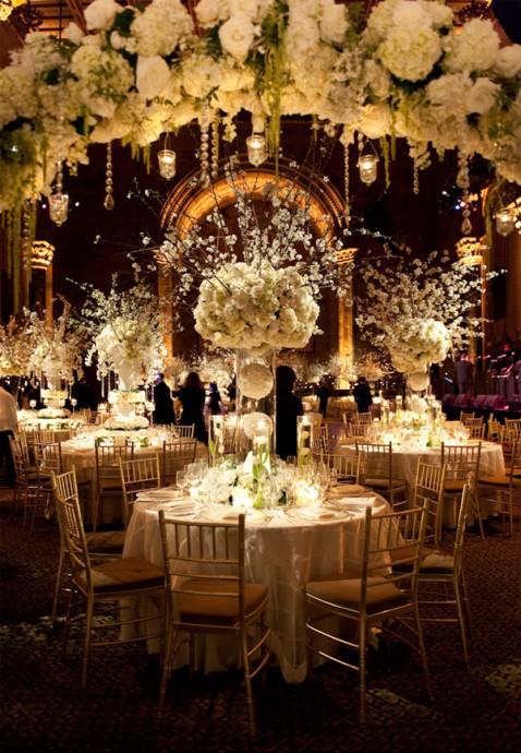 10 centres de table qui prennent vraiment de la hauteur for Decoration florale centre de table