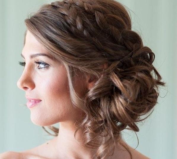 10 Coiffures Qui Mettent De La Folie Dans Les Cheveux De La Mariee Mariage Com