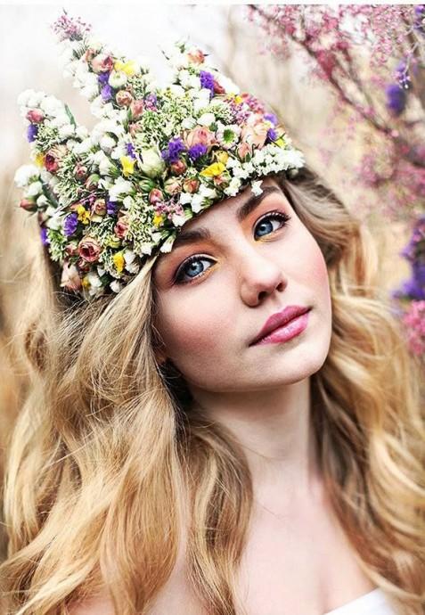 10 couronnes de fleurs pour avoir la boh me attitude for Couronne de fleurs