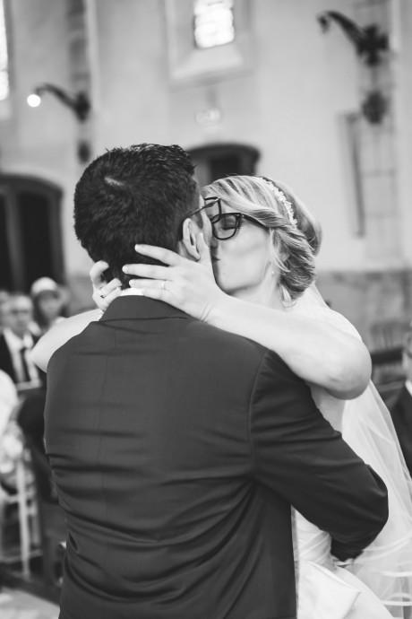 eglise baiser des maries mariage pauline et geoffrey
