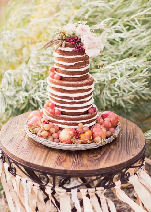 Miam ! Ce gâteau et sa crème pâtissière nous fait saliver, et tous ces fruits apporteront de la fraîcheur à votre dessert !